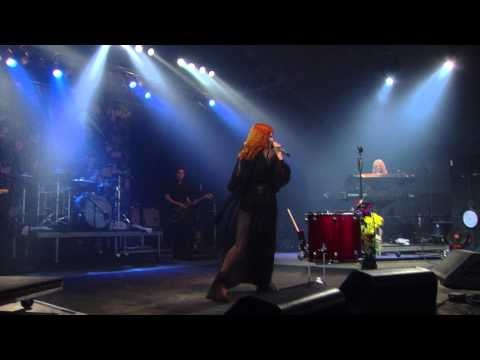 Florence & the Machine: Dog Days Are Over