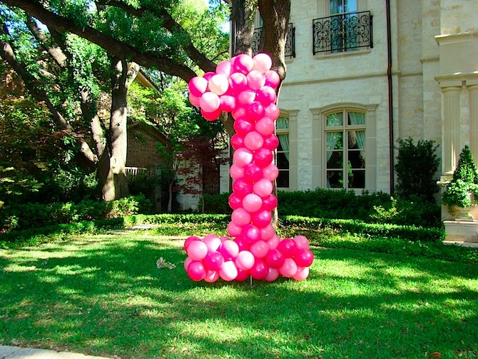Birthday!: Birthday Parties, Balloons Numbers, Front Yards, 1St Birthday, First Birthday, Birthday Balloons, Parties Ideas, Birthday Cake, Birthday Ideas