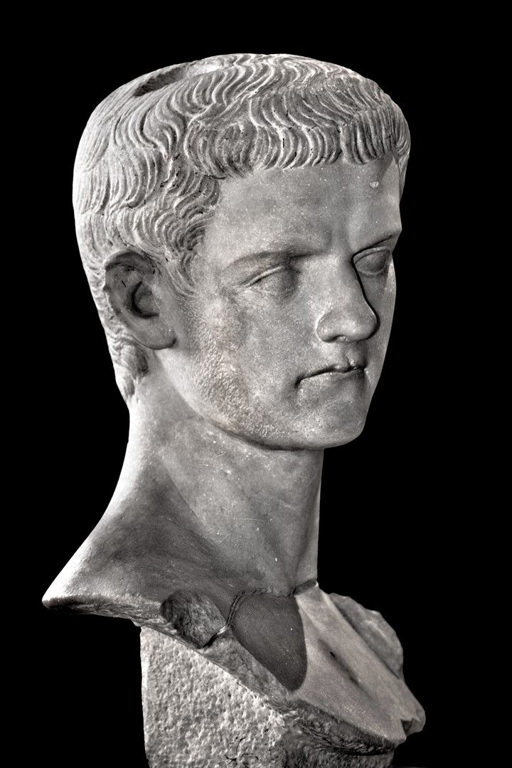 Louvre Caligula