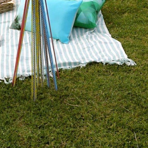 Create your own #DIY garden pick-up sticks – a game that will surely keep the kids entertained this summer! #BuildersSummerDIY instructions on the website, link in bio.  #gardeningtip #DIYhack #Summerhack #DIYtip #kidsrule #kidgames #gardenfun #playtime #gardens #DIY #gardendecor  https://goo.gl/3Xynue
