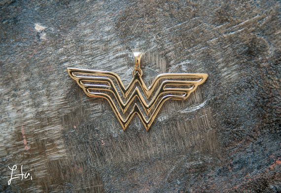 Wonder Woman Pendant Comics jewelry super hero jewelry by itailu