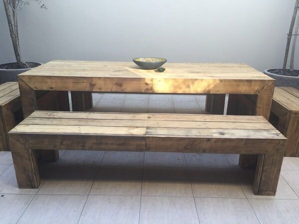 This time a short sized wooden pallet table and benches made for your comfort and to beautify your surroundings. The rustic style of the benches and table is adding to the beauty of the place as well as satisfying your needs to the full.