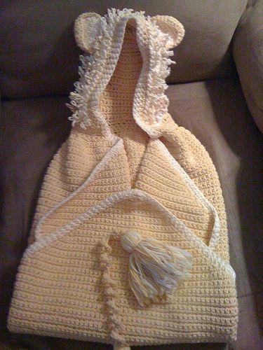 Hooded lion baby towel -  free crochet pattern