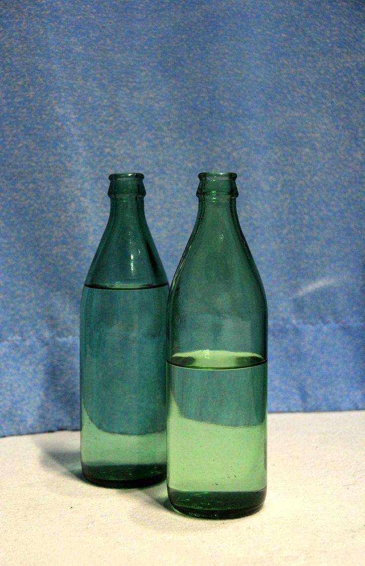Vattenflaskor som musikinstrument. Fotograf Linda Sinkkonen. #lapprickapappricka #flaska #vatten #instrument #musik