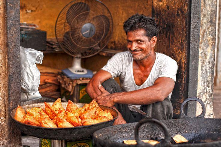 Hot samosas for sale in the market in Khandela