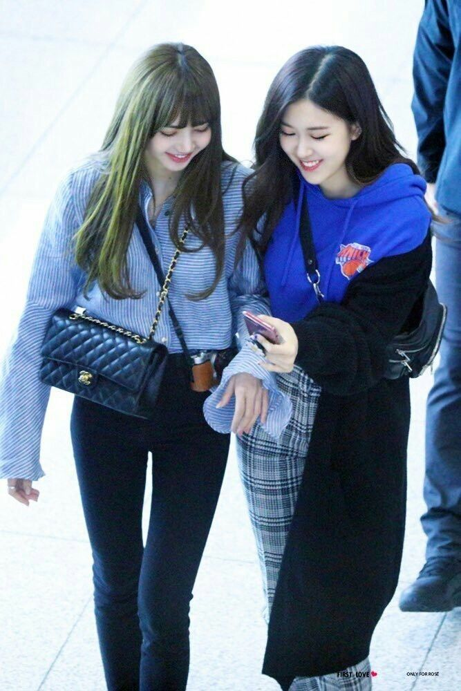 Lisa and rose blackpink airport fashion