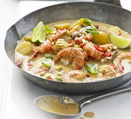 Prawn massaman curry. Would work with any kind of meat or tofu. Doesn't look too complicated!