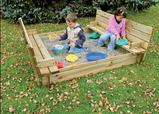 Brilliant sand pit - box lid turns in seats!