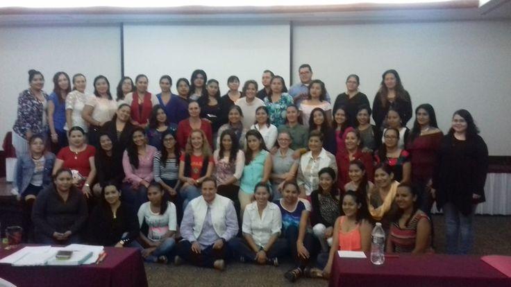 Fotos del Seminario Introductorio al método Montessori que tuvo lugar en Tuxtla Gutiérrez (México), los días 25 y 26 de febrero.
