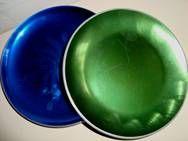 OLDEN dish - 1950-70s. Aluminium/enamel. D: 18,5 cm og 17,5 cm.  #Olden #dish #1950s #1970s #enamel #emalje #fad #sælges #forsale on www.TRENDYenser.com