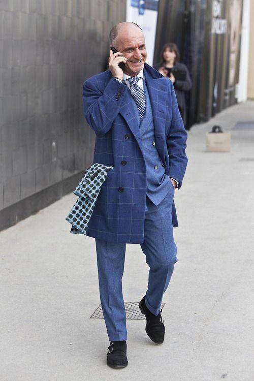 ダブルスーツの着こなしブルーのhttp://blog.gm-shop.ro/ Find out how real gentlemen suit up!