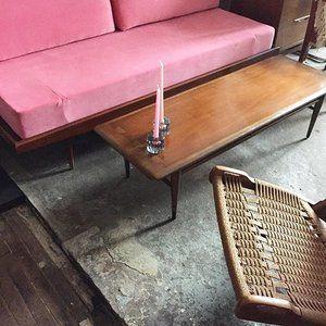 Mid Century #livingroom 💞💕 Mid Velvet day bed $1500 • Lane walnut dovetail coffee table $350 • Jute Yugoslavian folding chair $525 〰〰〰#midcenturymodern #midcenturyfurniture #danishmodern #yugoslavian #jute #velvet #pink #midcentury #1960s #color #daybed #foldingchair