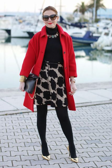 red Kiomi coat, elegant outfit, zara clutch, pumps dorate, cappotto rosso, Fashion and Cookies, fashion blogger