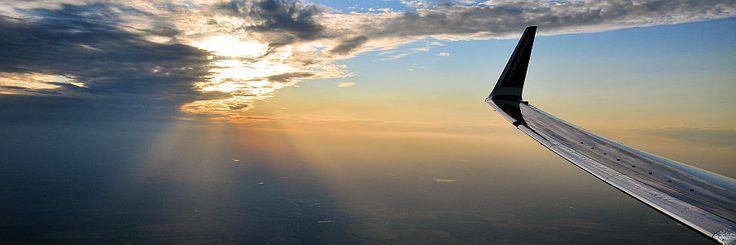 Hast Du einen One Way Flug gebucht, also ohne Rückflug? Wahrscheinlich musst Du einen Weiterflug nachweisen. Wenn Du keinen hast, versuch es mit einer dies