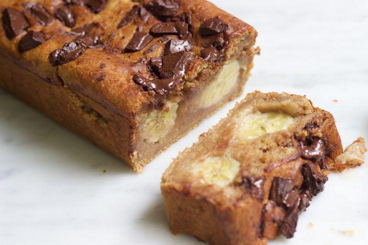 Deze idioot lekkere vegan chocolade cake hebben jullie misschien al voorbij zien komen op Instagram. Ik heb hem al een maand geleden voor het eerst gemaakt