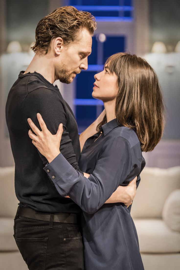 "Tom Hiddleston (with Kathryn Wilder as ""Ophelia"") ""Hamlet"" Jerwood Vanbrugh Theatre, RADA, London,1.9.2017 Via http://tw.weibo.com/torilla/4147433568580709"