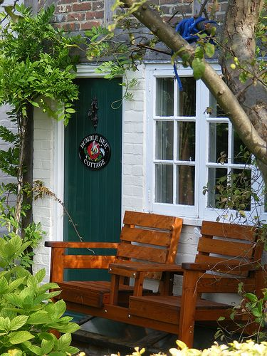 Hambledon - Bumble Bee Cottage by Denmead Man on Flickr (Hampshire)