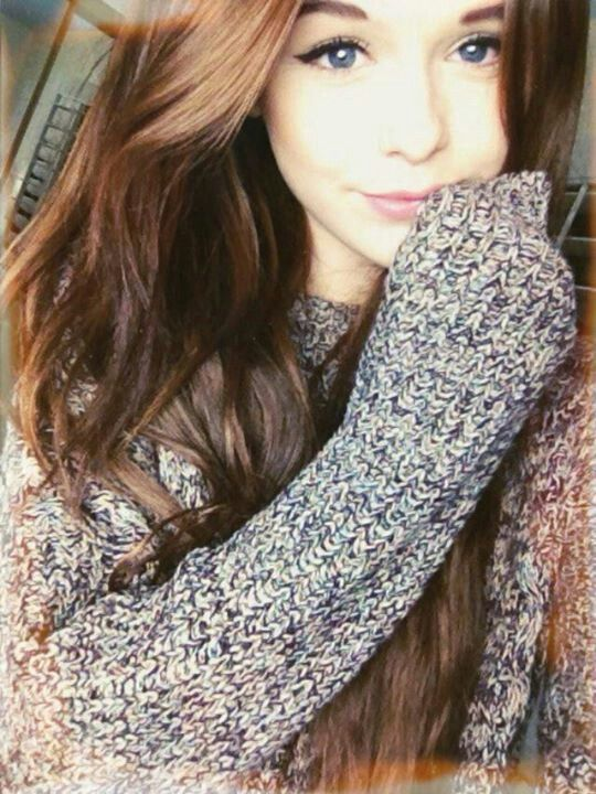 .Cacia! and I own this sweater ;)