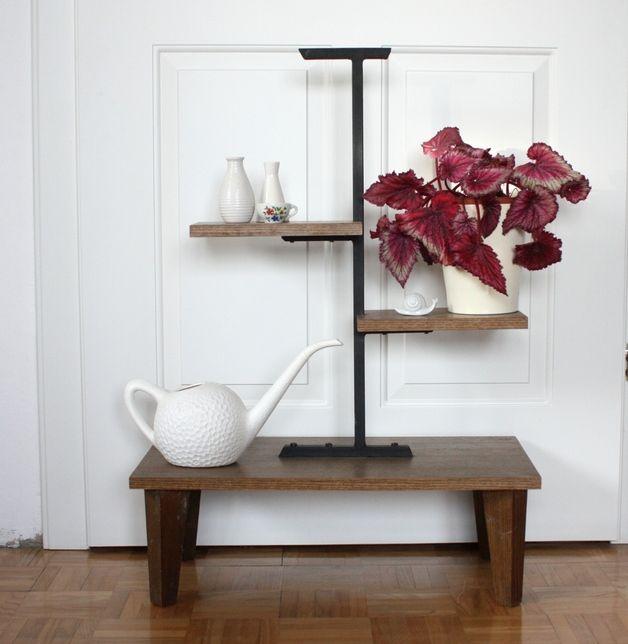 die besten 25 blumentreppe ideen auf pinterest vertikale gartenpflanzgef e regenfass und. Black Bedroom Furniture Sets. Home Design Ideas