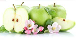 Frutas Maçãs Fundo branco Alimentos