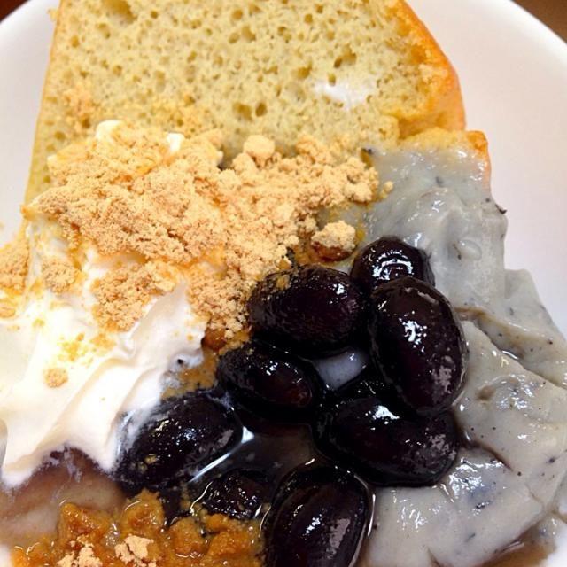 黒糖米粉シフォンケーキ。黒ゴマ米粉カスタード、黒豆、きな粉、生クリーム添え - 11件のもぐもぐ - 黒糖米粉カスピ海ヨーグルトシフォンケーキ by okiyo