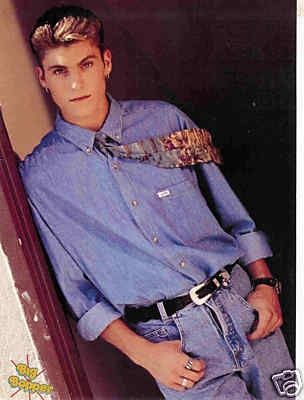BRIAN AUSTIN GREEN-- yup  i thought he was hot here too.  ( i was a pre teen)