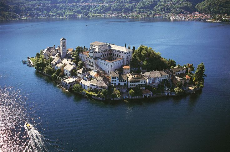 Few places can beat the charm and sheer beauty of the Italian Lakes—which is why they have been a holiday destination for two millennia.  3 of the best villages on the lake.