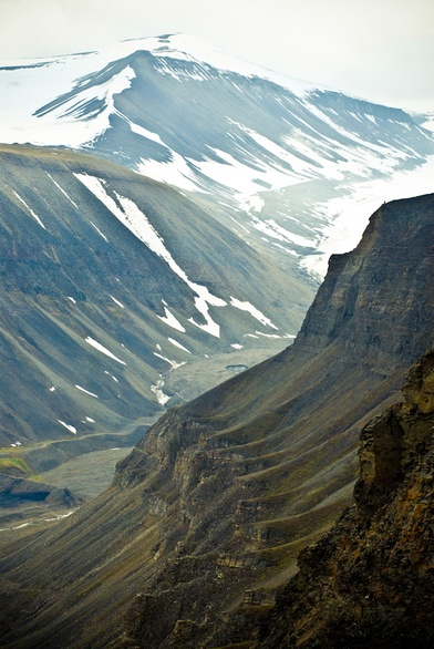 Svalbard in colour by Kimmo Savolainen, via Behance http://www.behance.net/gallery/Svalbard-in-colour/758718#