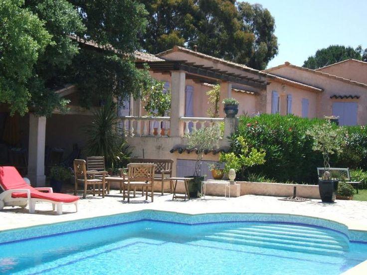 Mooie villa met privé zwembad op slechts 10 km van de stranden aan de Côte d'Azur. Gelegen temidden van prachtige natuur, met de zandstranden van les Issambres en St. Agulf op 15 min. rijden.
