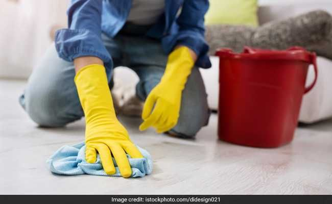 Singapore Woman Made Help Pour Hot Water On Herself Drink Floor Cleaner Cleaning Hacks Floor Cleaner Cleaning