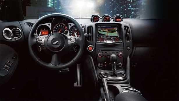 2017 Nissan 370Z - interior