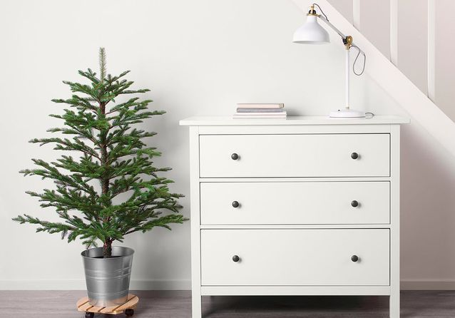 sapin de no l artificiel comme un vrai sapins de no l. Black Bedroom Furniture Sets. Home Design Ideas