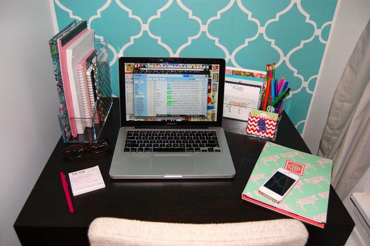 cute desks | Organized Desk
