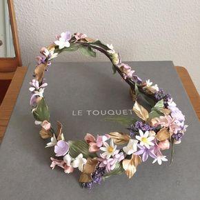 Aquí huele a puro verano! #headpiece #exclusiveheadpieces #tocadosletouquet #headcouture #julietcap
