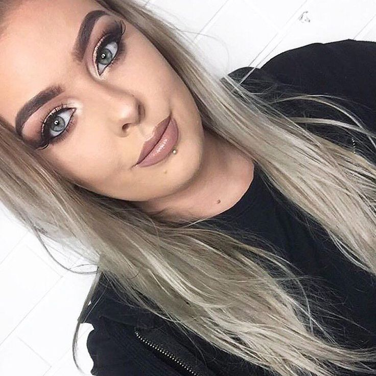 That face that base  Babe @racheddy_ achieves a flawless finish in our VANI-T Mineral Powder Foundation & Liquid Radiance - courtesy of the amazing @savannahrosemakeupartistry #playitup #vanit