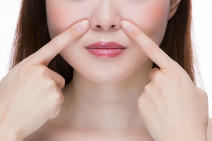 Squeezing blackheads is not the best way to get rid of blackheads as this process of removing blackheads can infect your skin getting it inflamed. Homemade Blackhead removers are good for getting rid of blackheads at home. Follow home remedies to remove blackheads and go with the saying prevention is better than cure. Keep your …
