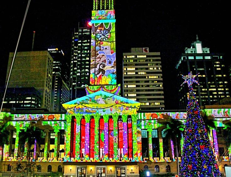 GOLD LOTTO CITY HALL LIGHT SPECTACULAR, KING GEORGE SQUARE  Where is it: King George Square, Brisbane City  What's it all about: It's a short movie projected onto the outside City Hall!       How can I join in: Every 15 minutes they show the same little story - so just roll on up to King George Square any time aft