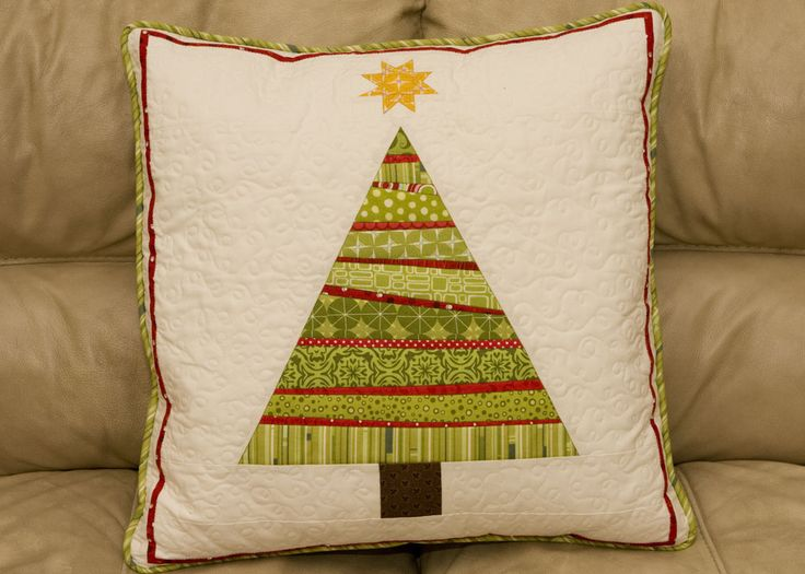 from the blue chair: Tree Pillow Pointers  Adorable Christmas tree pillow. Great for Christmas gifts.