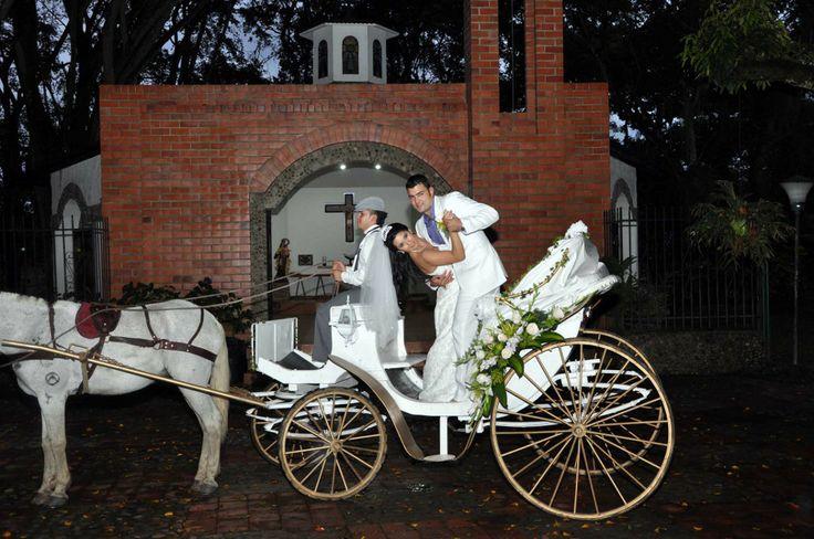 Boda Juan Camilo Y Claudia. #FotografiaMatrimoniosCali #FotografiaParaBodasCali #FotografosDeBodasEnCali