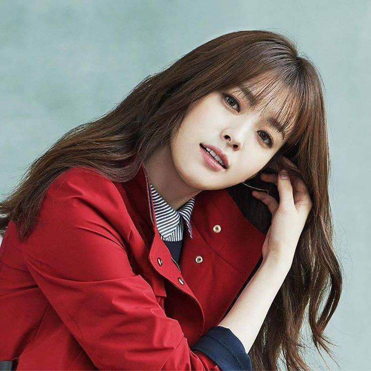 Kyungja Jung (portrayed by Han Hyo Joo) is one of Haneul's maids. She is 25, and is kind and warm, if not a bit awkward.