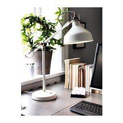 IKEA - RANARP, Arbeidslampe, Du kan enkelt rette inn lyset dit du vil ha det fordi lampearmen og lampehodet kan justeres.Gir fokusert lys som er godt å lese i.