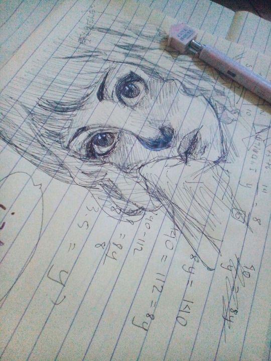 Dibujo a lápiz    Como cuando te aburres en clase y empiezas a dibujar