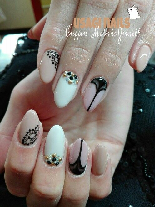 Nude nail with lace