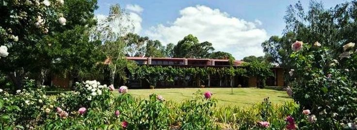 Mulberry Lodge Willunga: Beautiful hosted mud brick property in the Willunga/McLaren vale wine area.  Gorgeous views from every room in the property and 2 acres of gorgeous gardens to wander around. Perfect spot to stay for a weekend and why not include a wine tour with Helivista Helicopters.