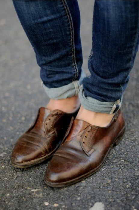 Love the shoes and the rolled jeans!