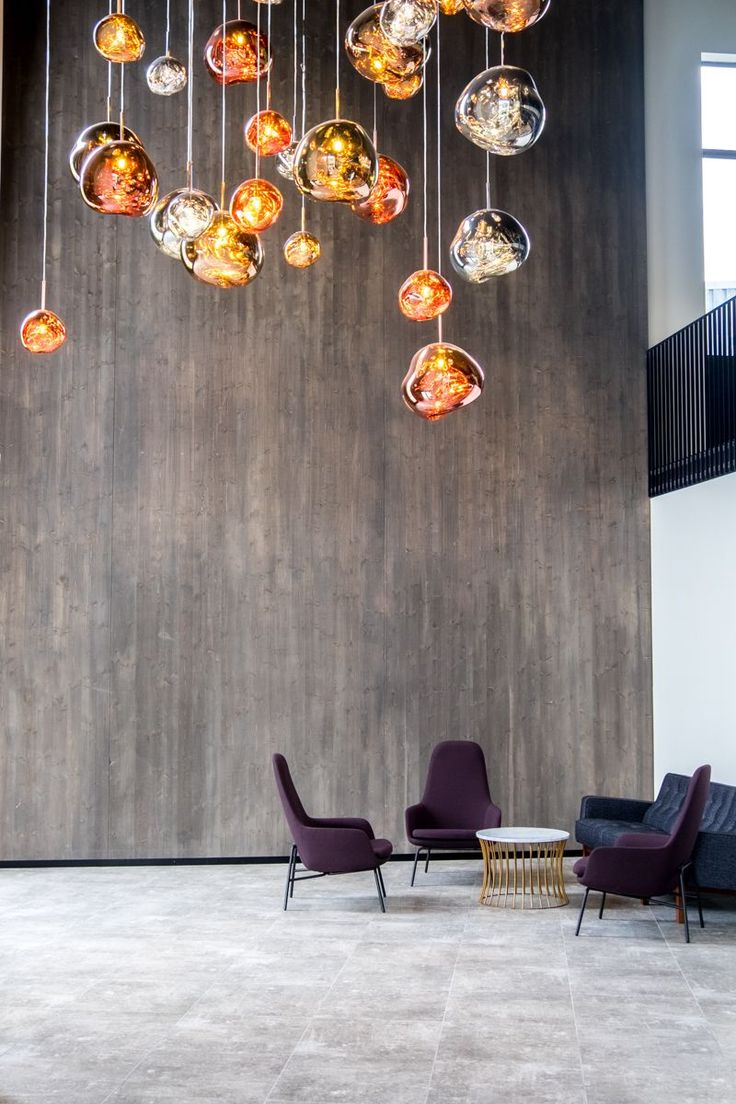 Tom Dixon MELT pendant cluster at the Fosshotel Glacier Lagoon | © individualicious
