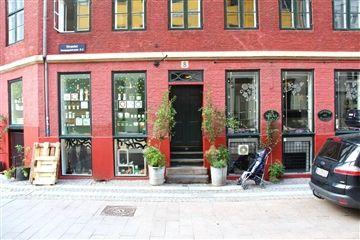 Milas Jewellery's butik i Komagnistræde 8, København