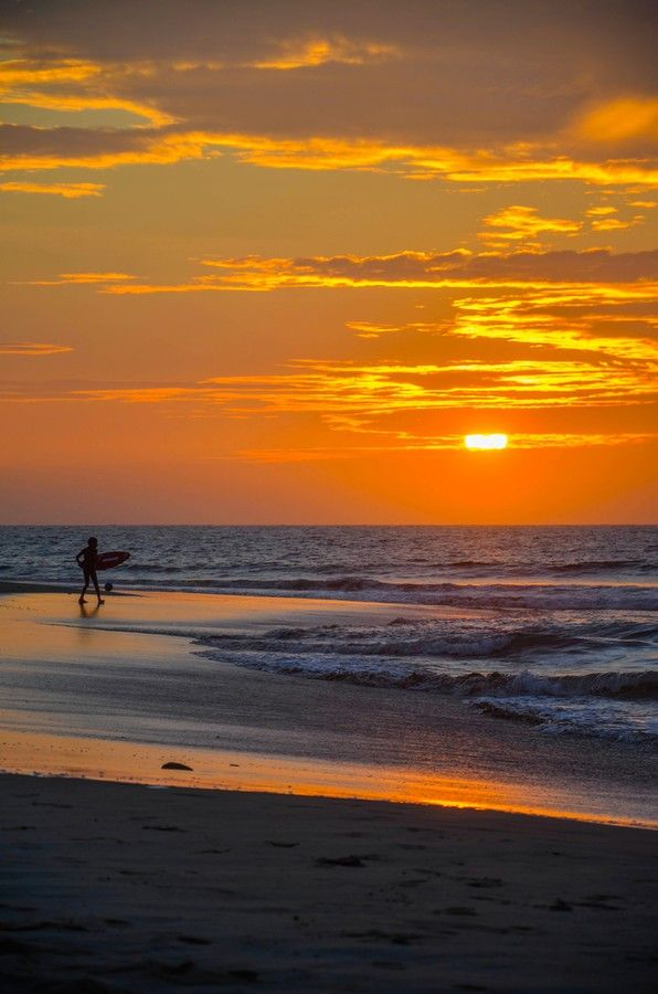 Sunset Surf - Mancora Beach, Peru. looks flat! had a few lovely sunrise/sunset sessions here