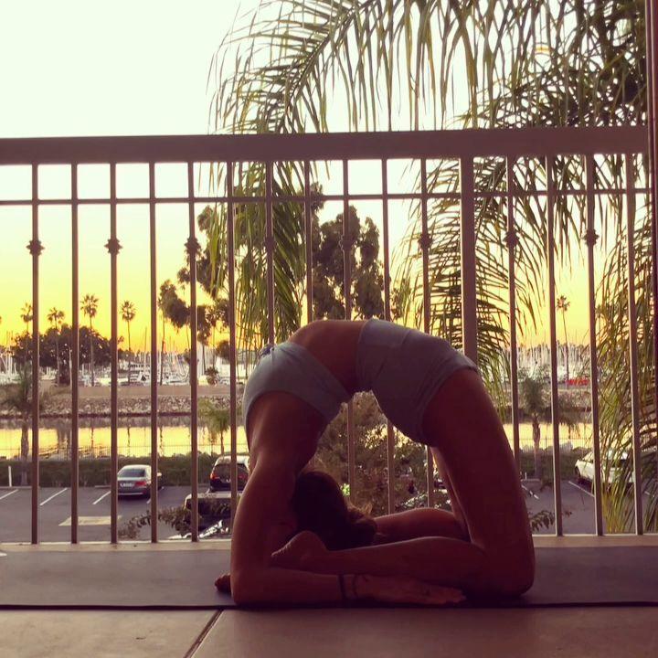 Balkon Yoga @yoga_ky