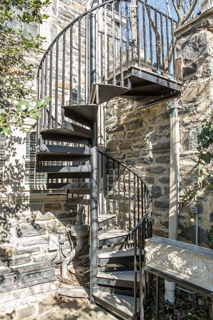 M s de 25 ideas incre bles sobre escaleras de piedra en for Escalera exterior de piedra